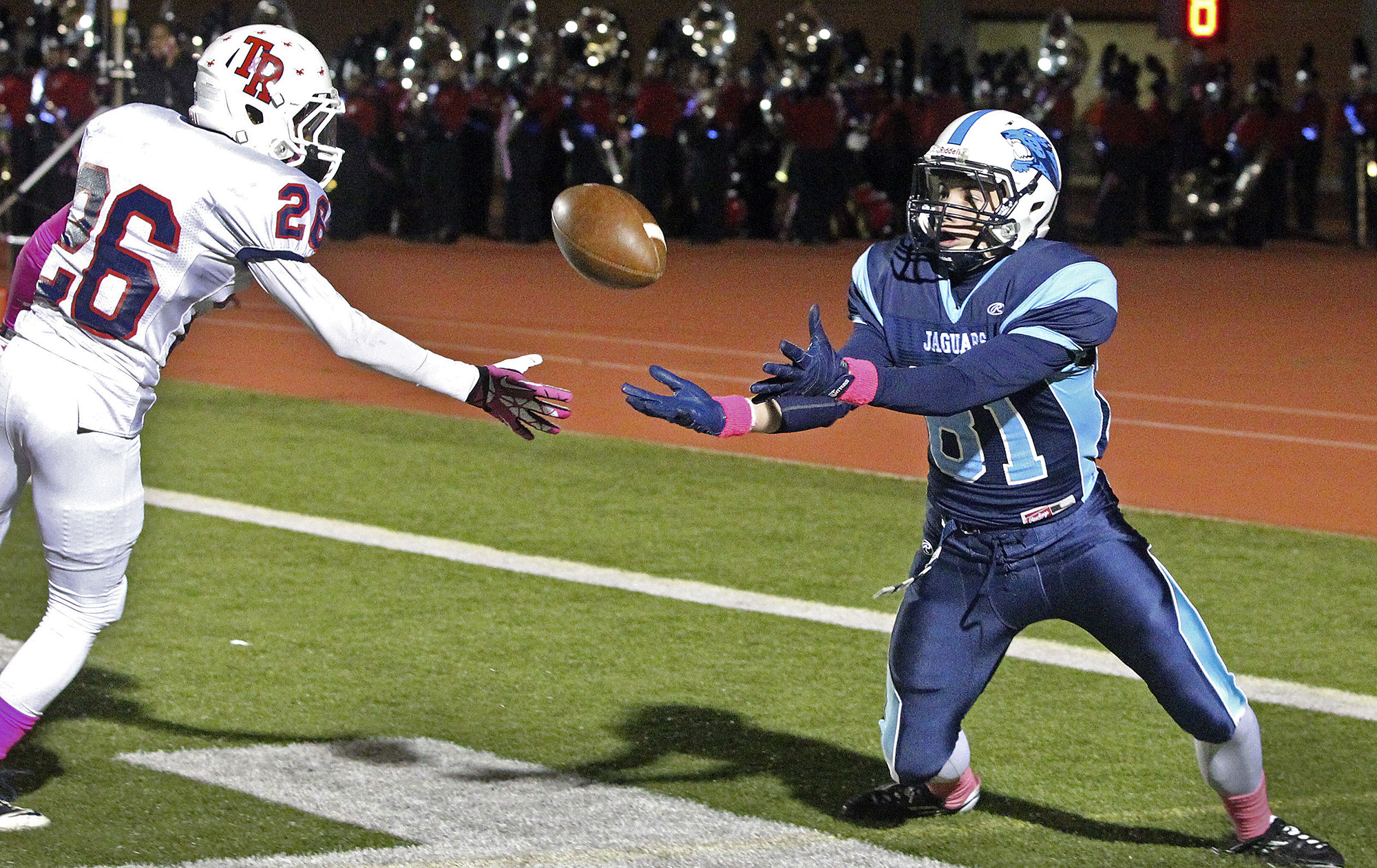 Johnson S Victory Sets Stage For Battle Of Unbeatens San