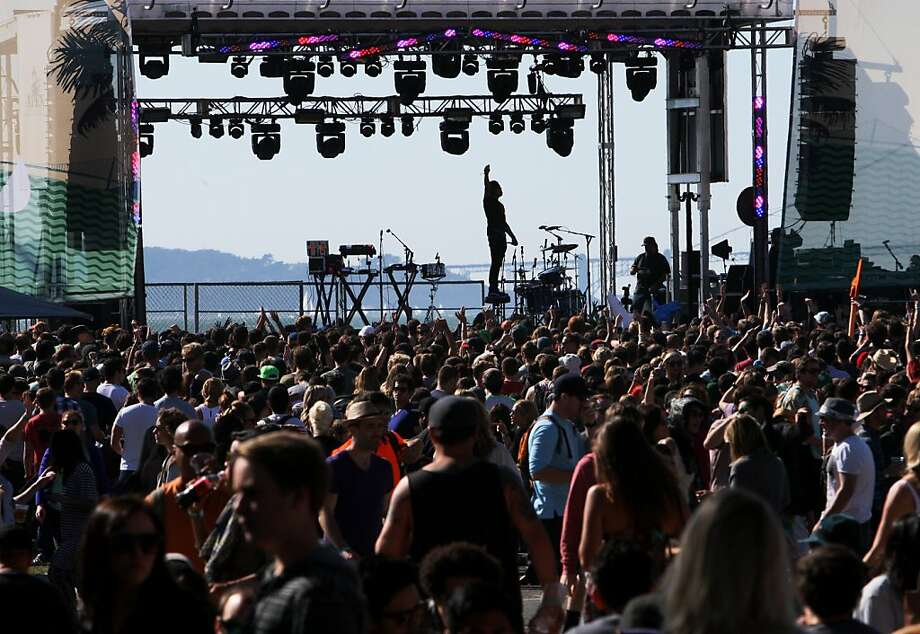 Robert Delong stands on his stool during his performance at the Treasure Island Music Festival in San Francisco, Calif. on Saturday, Oct. 19, 2013. Photo: Raphael Kluzniok, The Chronicle