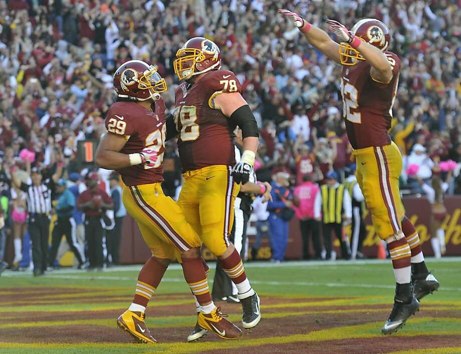 San Ramon Valley High alum Roy Helu (left) had the game-winning TD and two others. Photo: Mark Gail, McClatchy-Tribune News Service