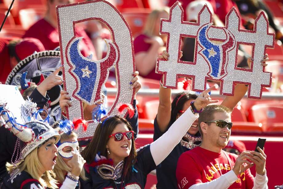 Texans cheer before the game. Photo: Brett Coomer, Houston Chronicle