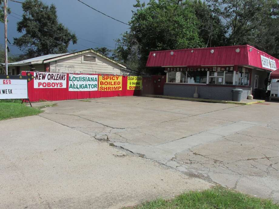 The Hushpuppy on North Main in Vidor. Photographed September 2013. Photo: Cat5
