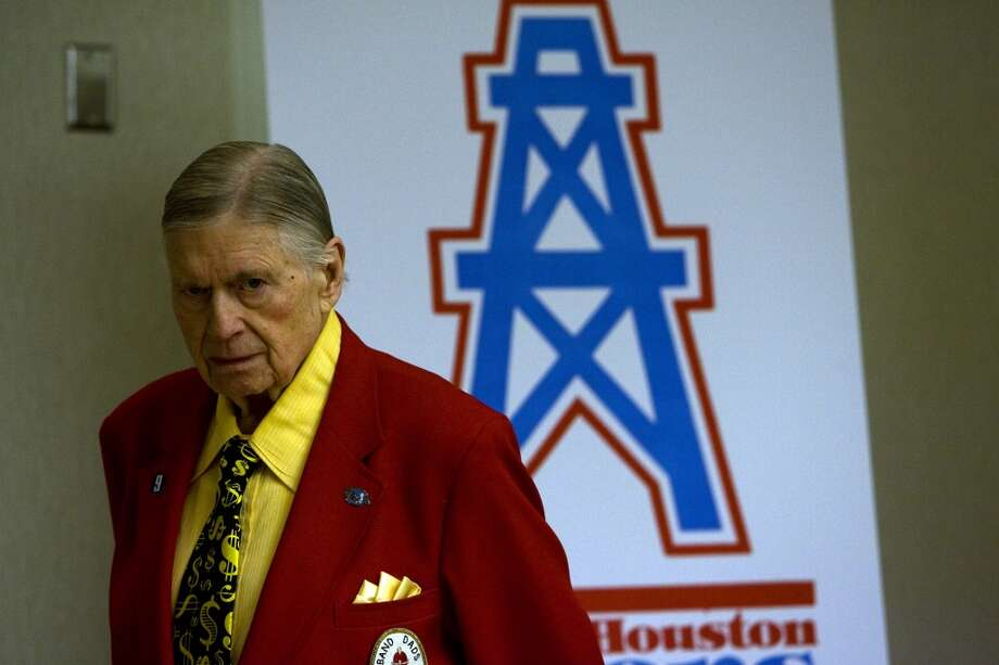 Bud Adams attends a reception for the 50th anniversary reunion of the Oilers 1960 and 1961 championship teams at the Westin Galleria Houston hotel in 2009. Photo: Johnny Hanson, Houston Chronicle