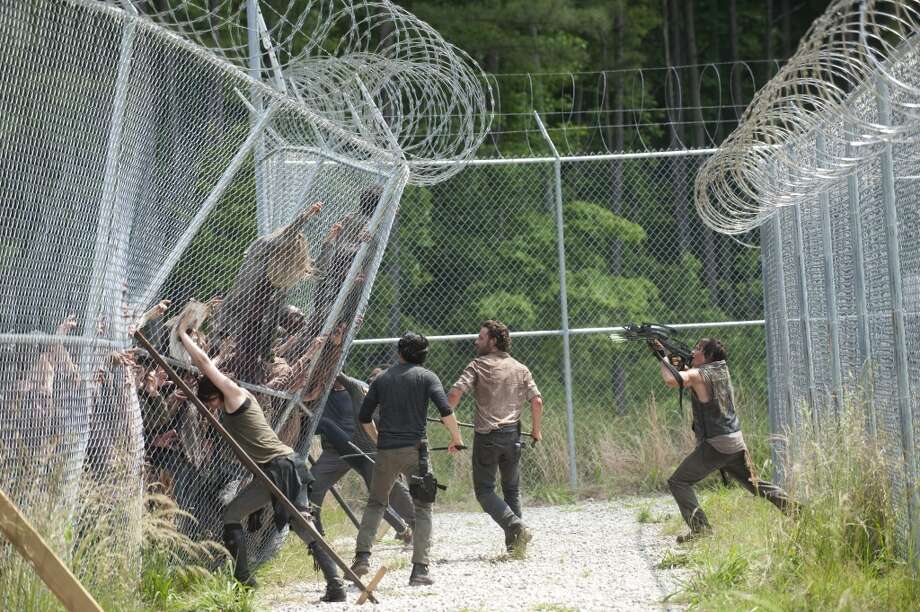 Maggie Greene (Lauren Cohan), Glenn (Steven Yeun), Rick Grimes (Andrew Lincoln), Daryl Dixon (Norman Reedus) and Tyreese (Chad Coleman) - The Walking Dead _ Season 4, Episode 2 - Photo Credit: Gene Page/AMC