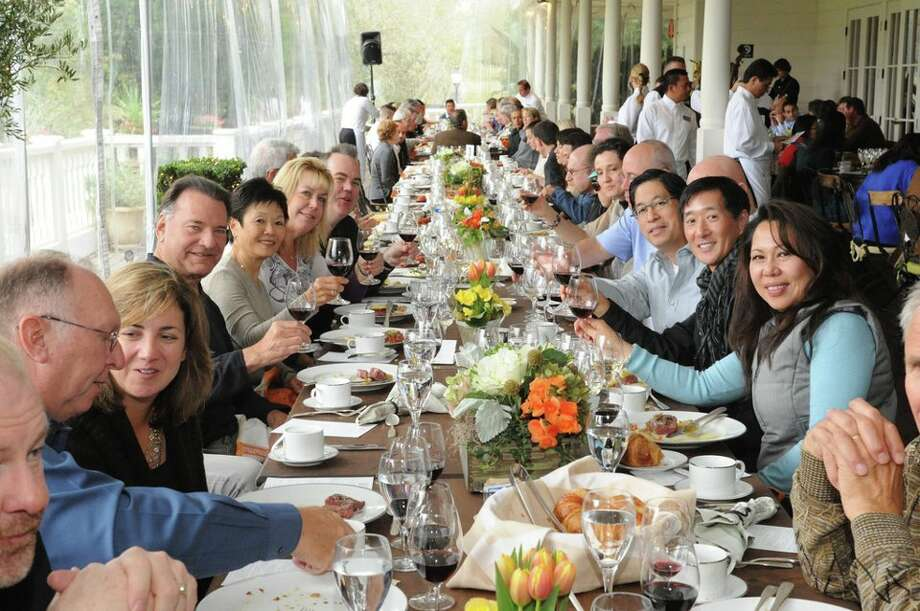 Flavor Napa Valley meals are communal, encouraging everyone to meet and mingle