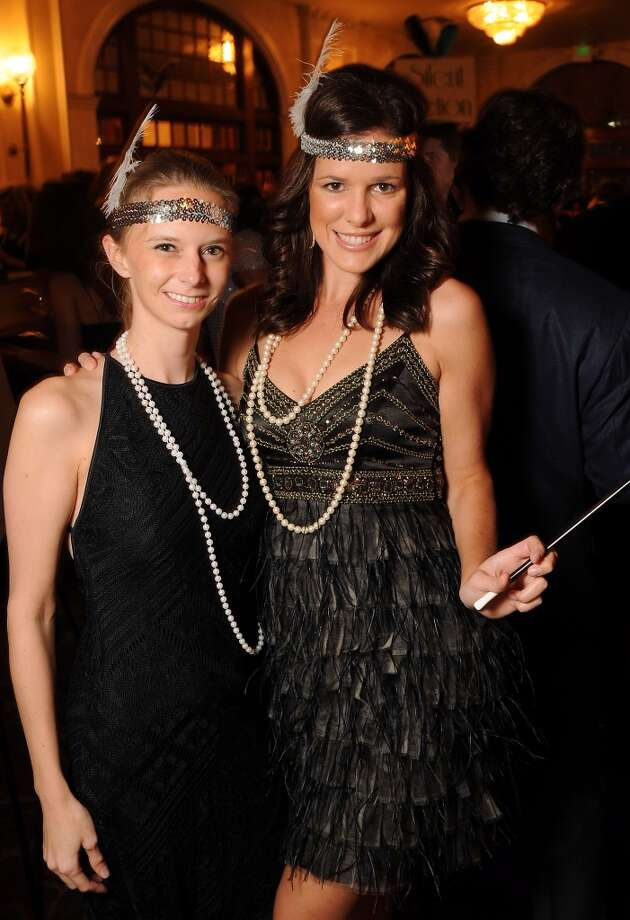 20s-era attire. Pearls are a must. Photo: Dave Rossman, For The Houston Chronicle