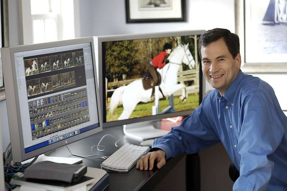 David Pogue is leaving the New York Times to cover technology and gadgets for Yahoo. Photo: Uncredited, Associated Press