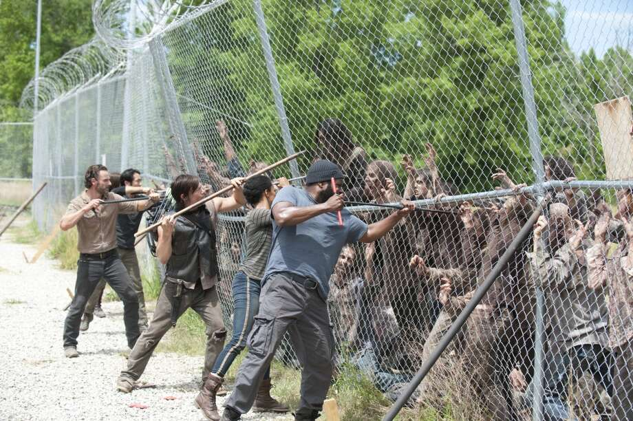 Glenn (Steven Yeun), Rick Grimes (Andrew Lincoln), Daryl Dixon (Norman Reedus), Sasha (Sonequa Martin-Green) and Tyreese (Chad Coleman) - The Walking Dead _ Season 4, Episode 2 - Photo Credit: Gene Page/AMC