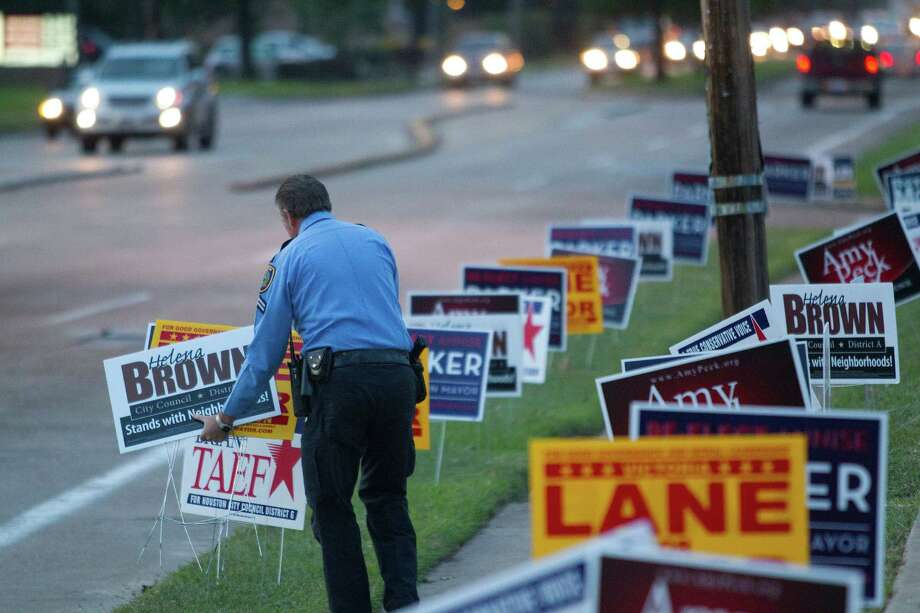 How are Texas cities doing when it comes to providing walkable neighborhoods? Not very well, according to Walk Score. Our metro areas rank near the bottom tier of the company's walkability grading system. The best scores are between 70 to 100. Keep clicking to see the best of the worst.Source: Walk Score Photo: Johnny Hanson, Houston Chronicle / Houston Chronicle