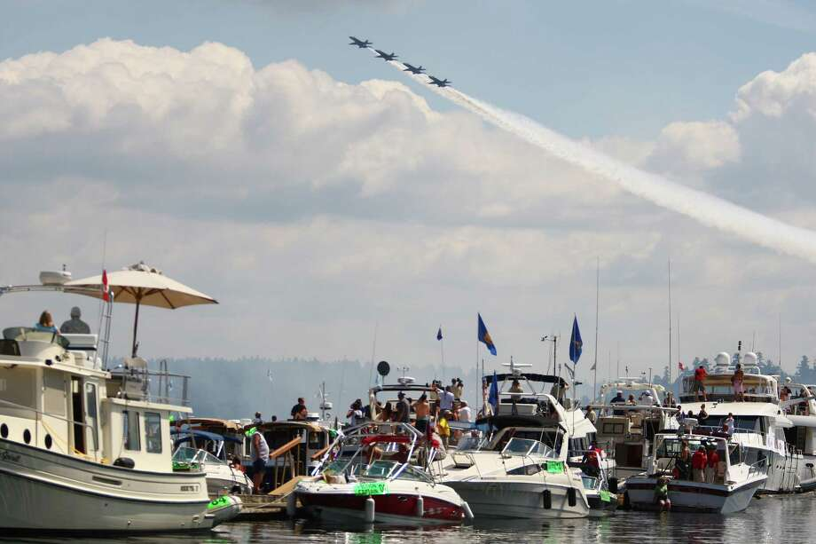 The Blue Angels perform at Seafair, Sunday, August 7, 2011 in Seattle. Photo: Cliff DesPeaux, FOR SEATTLEPI.COM / Cliff DesPeaux