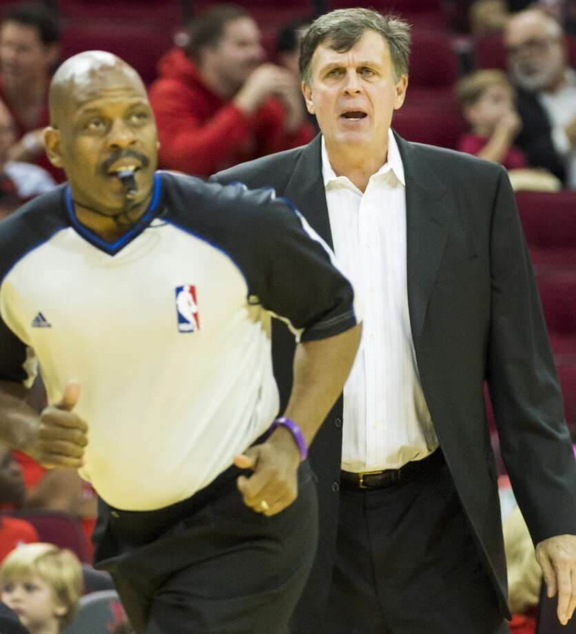 Rockets head coach Kevin McHale looks for a call. Photo: Smiley N. Pool, Houston Chronicle