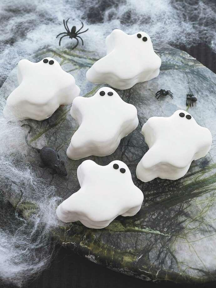 delish.com - pumpkin cookie ghosts Photo: Frances Janisch / handout web