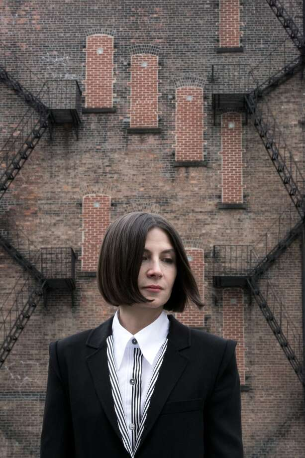 Donna Tartt: But who irons these shirts on her book tours? Photo: Beowulf Sheehan, © Beowulf Sheehan