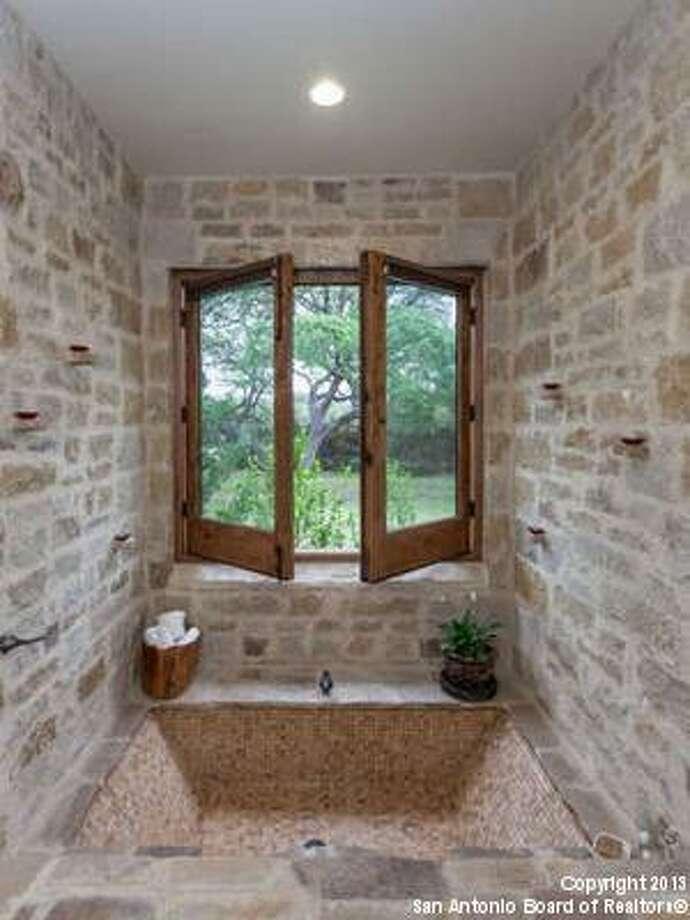 11027 Anaqua Springs Boerne, TX 78006-8491 Photo: San Antonio Board Of Realtors