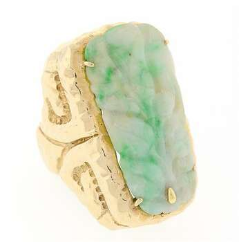 LADIES 14KT GOLD AND CARVED JADE RING 