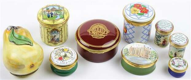 EIGHT ENAMEL BOXES INCLUDING HALCEON DAYS 