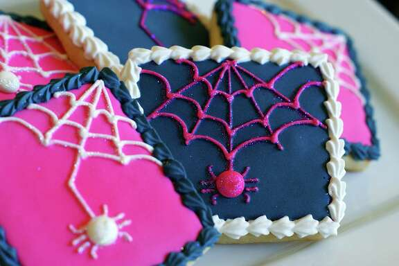 Preppy spider cookies might be more cute than scary.