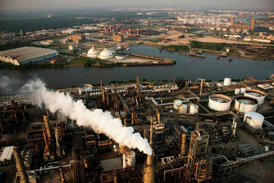 New EPA regulations would have had a profound impact on the Houston Ship Channel's oil refineries and chemical plants, until rolled back by President Trump. Photo: Smiley N. Pool, Staff / © 2013  Houston Chronicle