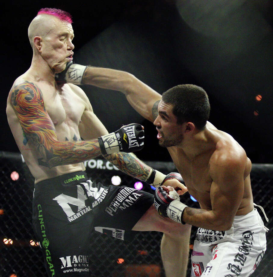 Bellator Fighting Championships 27, 2010. Photo: EDWARD A. ORNELAS, San Antonio Express-News / eaornelas@express-news.net