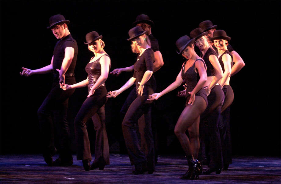 'Fosse,' 2001. Photo: Kin Man Hui, San Antonio Express-News / en