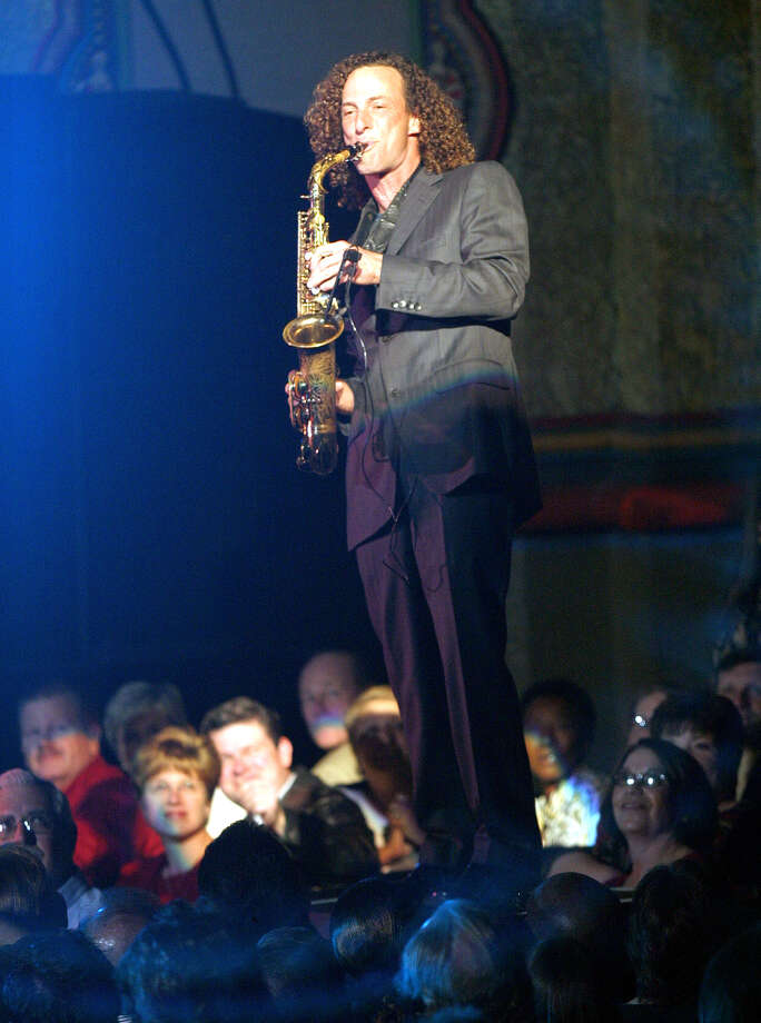 Kenny G, 2003. Photo: J. MICHAEL SHORT, San Antonio Express-News / SAN ANTONIO EXPRESS-NEWS
