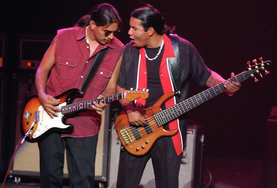 Los Lonely Boys, 2006. Photo: EDWARD A. ORNELAS, San Antonio Express-News / SAN ANTONIO EXPRESS-NEWS