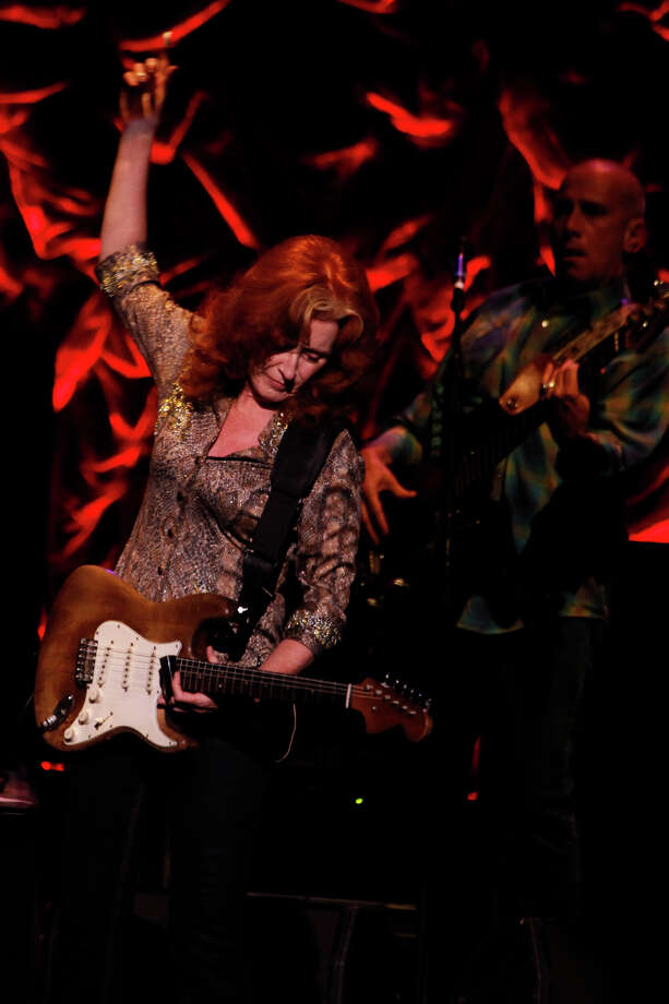 Bonnie Raitt, 2009. Photo: NICOLE FRUGE, San Antonio Express-News / nfruge@express-news.net