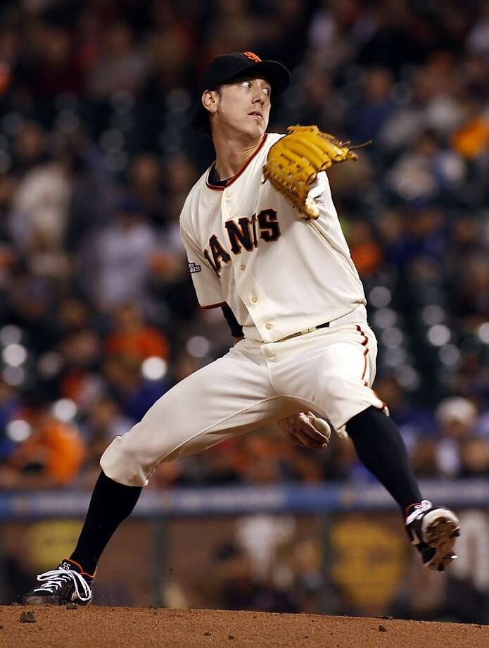 Tim Lincecum got $35 million ahead of a shallow free-agent pitching market. Photo: George Nikitin, Associated Press