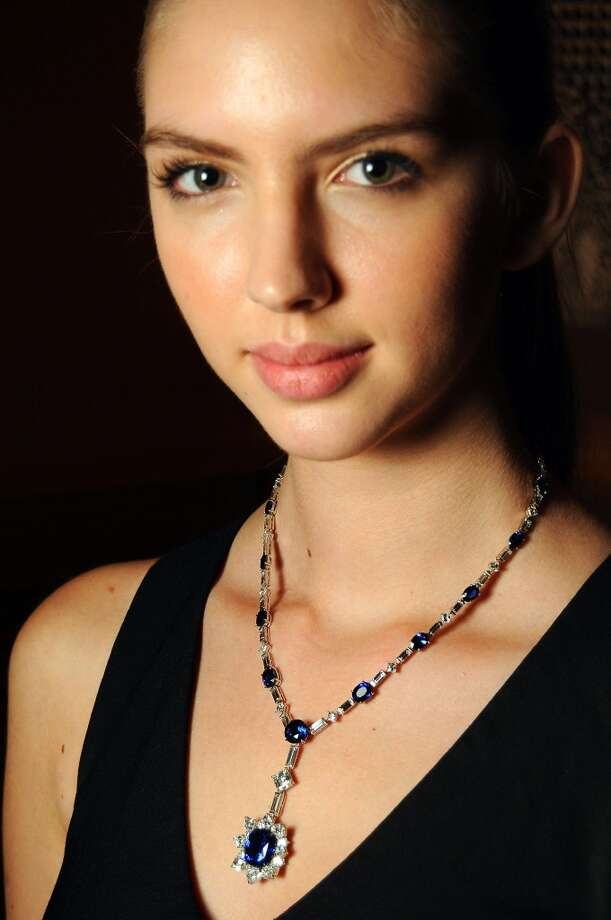 Model Stephanie Hoffman wears Asprey jewlery Photo: Dave Rossman, For The Houston Chronicle