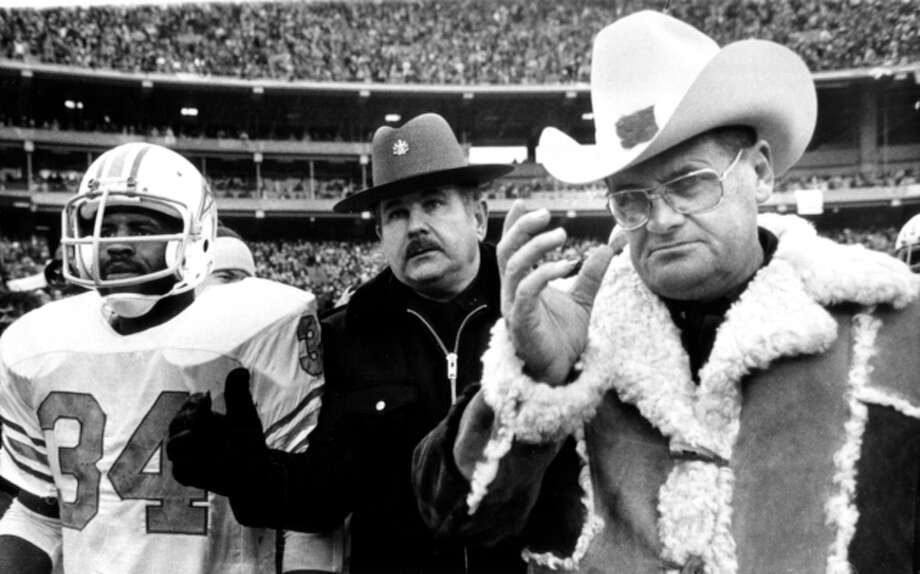 Earl and Bum leaving Three Rivers Stadium in 1979 following the AFC title game defeat. Photo: Uncredited, AP / AP