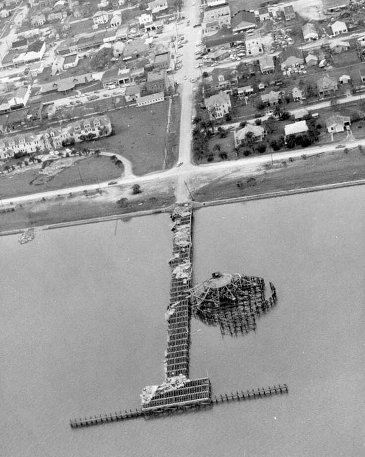 Hurricane Carla damaged Galveston's original pleasure pier and pavilion. Photo: Houston Chronicle / Houston Chronicle