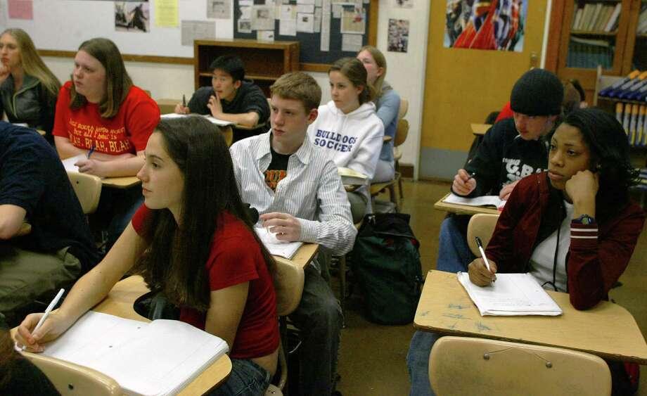 Garfield student life, 2004.  Photo: MERYL SCHENKER, P-I File