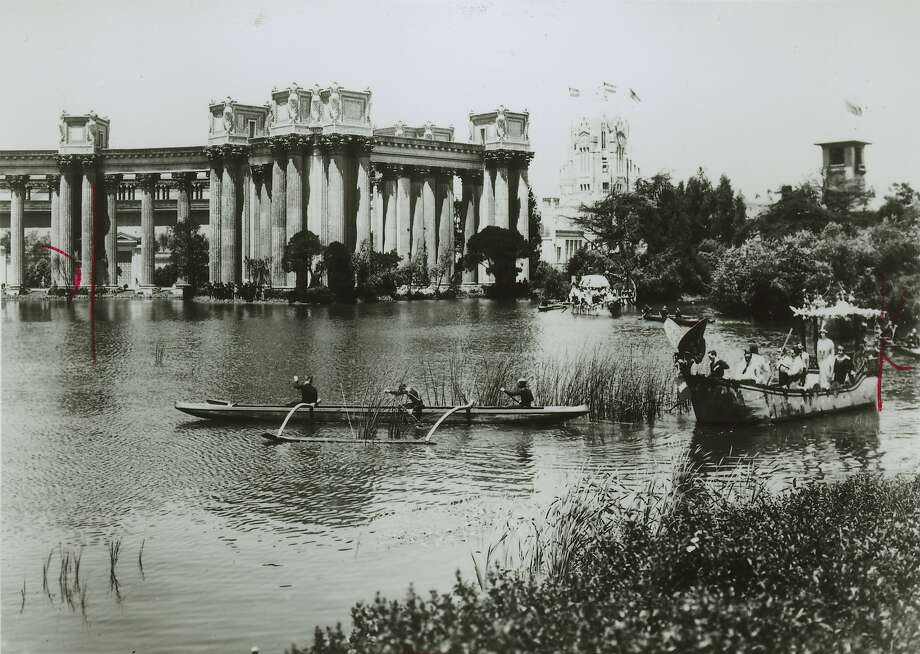 Visitors to the 1915 Panama Pacific Exposition paddling on the lagoon at the Palace of Fine Arts.   150 Anniversary maybe Photo: Xx, Chronicle Archive