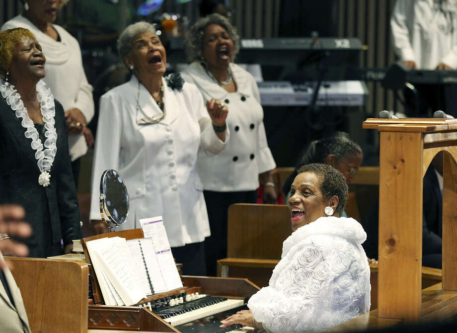 "Going strong at age 80, Doloris ""Mama Dee"" Williams leads the senior choir at Antioch Missionary Baptist Church. Photo: Edward A. Ornelas / San Antonio Express-News"