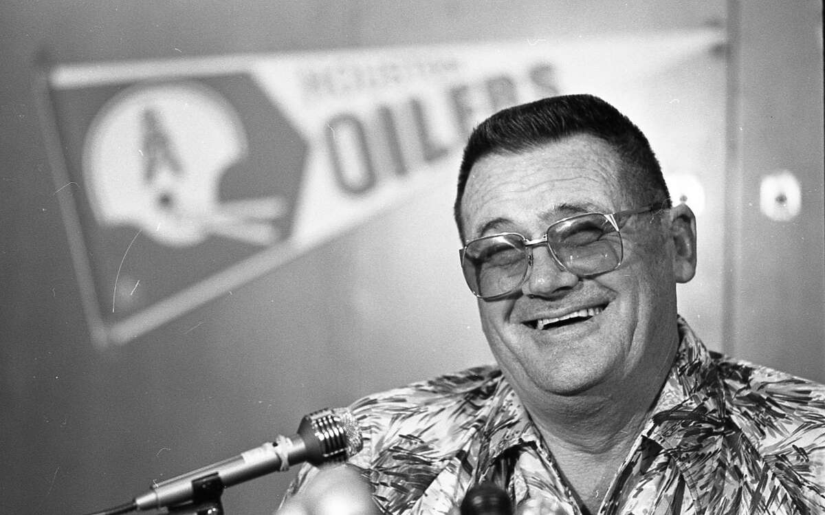 """PHOTOS: Houston Oilers memories Fans and media voices want Wade Phillips to dress up like his dad Bum Phillips for the Rams' """"turn back the clock"""" home game. >>>See photos from the Oilers' prime in Houston"""
