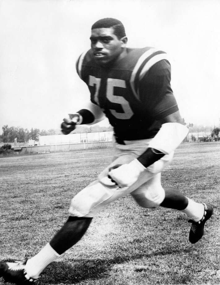 Elvin Bethea  – The consummate warrior, the Hall-of-Famer spent 16 seasons battling – and sometimes grumbling - in the trenches for the Oilers, but he gave  his all for a couple of near-great teams and a few horrible ones, too. / handout