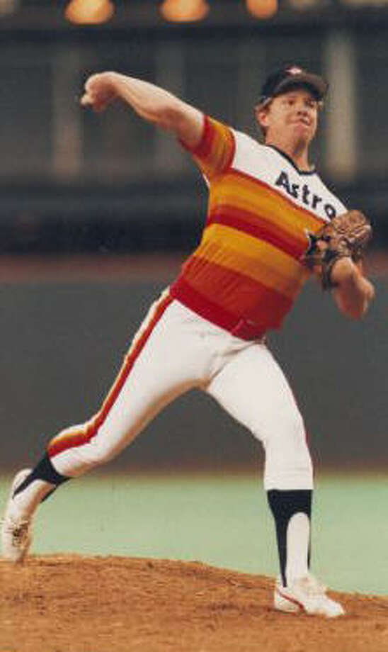 Larry Dierker – He debuted in 1964 on his 18th birthday, striking out Willie Mays, and is in his fifth decade with the Astros as player (1964-76), broadcaster (1979-96, 2004-5), manager (1997-2001) and now a special assistant to Astros president of business operations Reid Ryan.