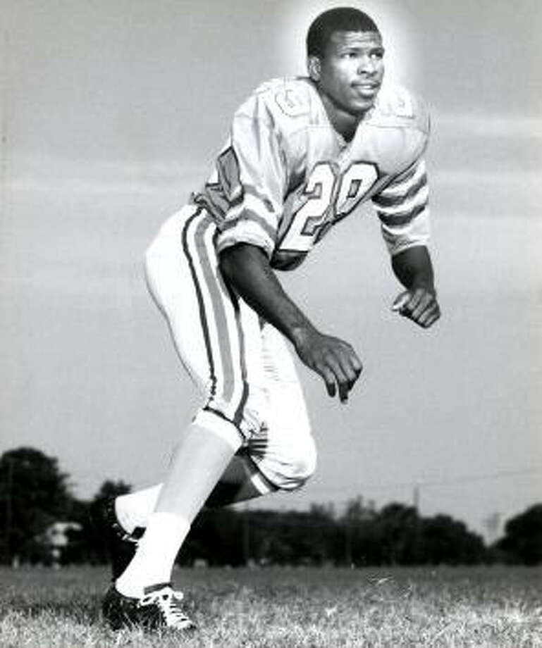 Ken Houston – How the Oilers could have ever traded him to Washington will always remain a mystery, but the Hall-of-Famer came home to coach and, later, work in the public schools. Houston should be very proud of its namesake.