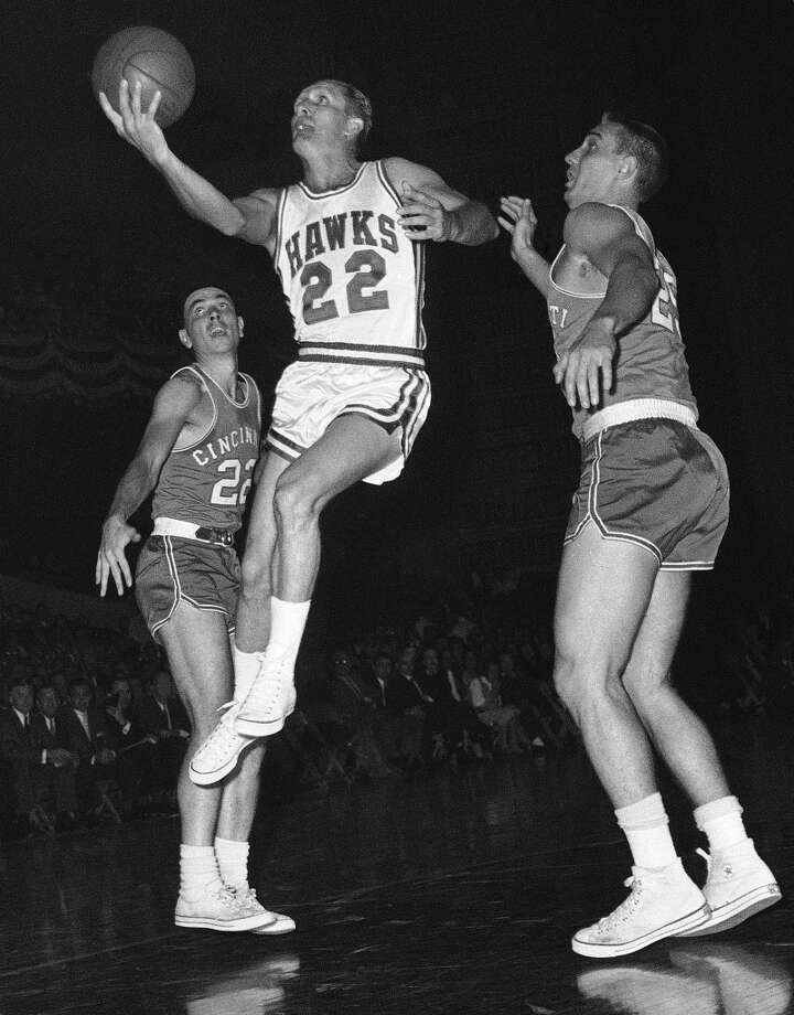 """Slater Martin (1925-2012) – """"Dugie"""" led Davis to state high school basketball titles in 1942 and 1943, took Texas to the NCAA Final Four in 1947 and was a member of the NBA's first dynasty with the 1950s Minneapolis Lakers. Photo: Associated Press"""