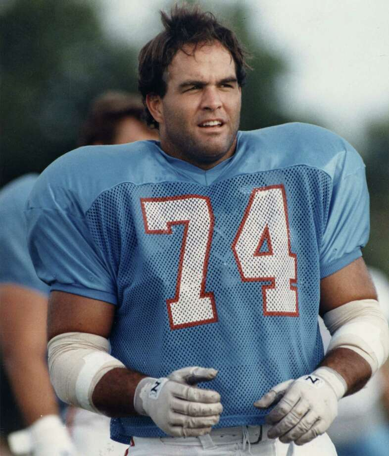 Bruce Matthews –  True, he went over to the dark side when he joined his buddy Mike Munchak back in Nashville, but that's OK. This NFL marathon man and Hall-of-Famer will always be thought up as one of the good guys. Photo: Howard Castleberry, Houston Chronicle / Houston Chronicle