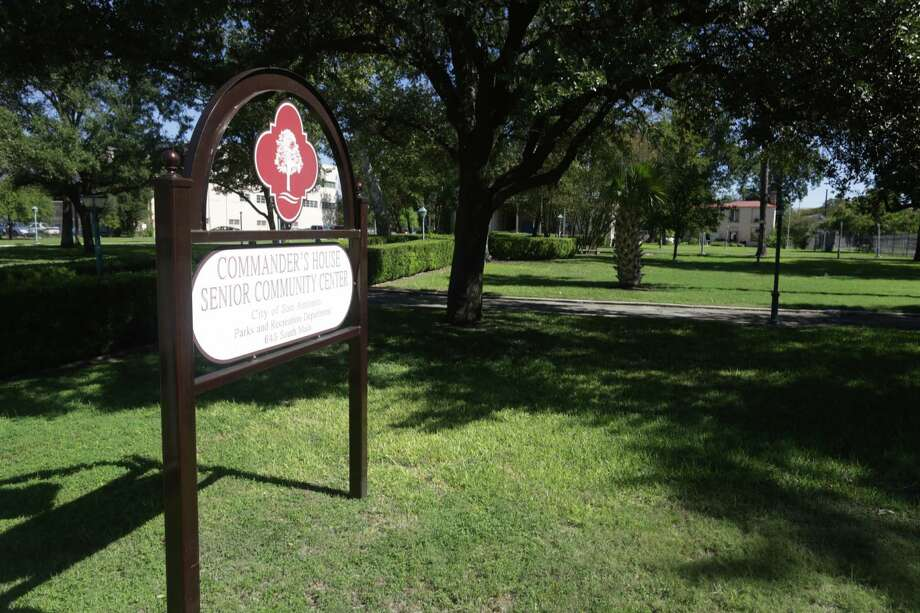 Sign for the Commander's House on the grounds of the HEB Headquarters, which is a Senior Citizen Center, on S. Flores. Photo: BOB OWEN, San Antonio Express-News / © 2012 San Antonio Express-News