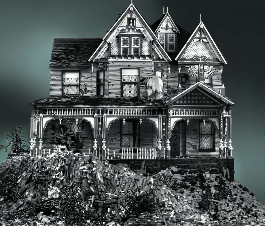 Victorian on Mud Heap (2011) © Mike Doyle
