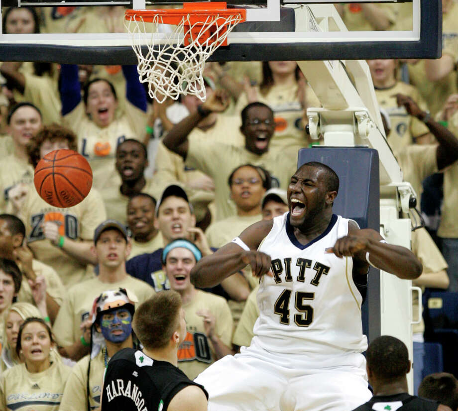 DeJuan Blair: Pittsburgh (2007–2009) Photo: Keith Srakocic, Mysa / AP2009