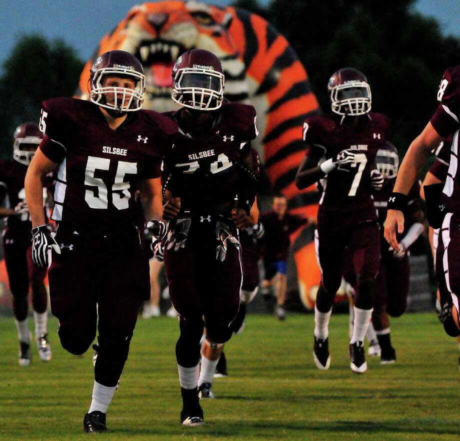 Silsbee's Greg Lundvick and his Tiger teammates run out on the field for a game against Lumberton earlier this season. Cassie Smith/The Enterprise Photo: Cassie Smith
