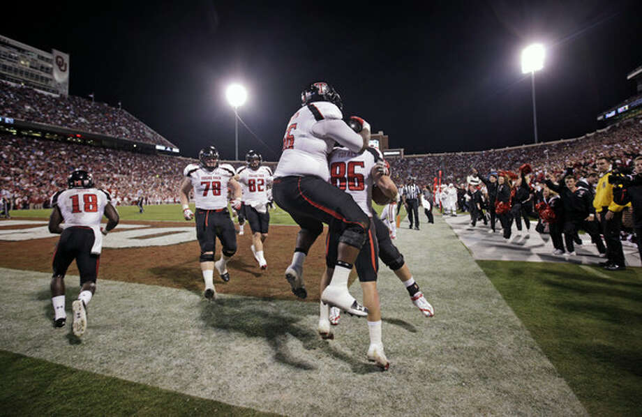 Texas Tech faces first big test of season at Oklahoma.