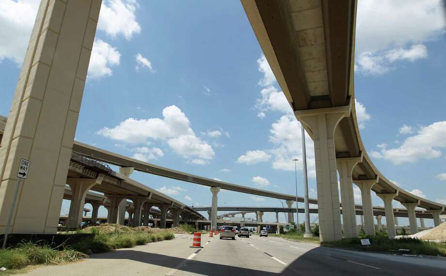 New overpass from  I-10 to the Grand Parkway, near Cinco Ranch,  Monday, June 10, 2013, in Katy. Photo: Karen Warren, Houston Chronicle / © 2013 Houston Chronicle
