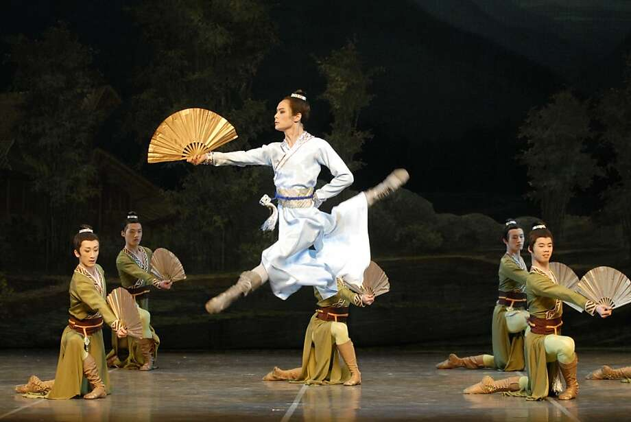 """The Butterfly Lovers"" evokes ""Romeo and Juliet"" or Act 3 of ""Swan Lake."" Photo: Cami"