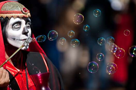 Serendipity Tynker blows bubbles as one of the Texas Renaissance Festival's street walker characters, Sunday, Oct. 28, 2012,  in Todd Mission. Photo: Nick De La Torre, Houston Chronicle