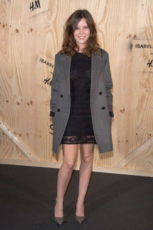Lou Lesage attends the  'Isabel Marant For H&M' : Photocall At Tennis Club De Paris on October 24, 2013 in Paris, France. Photo: Dominique Charriau, WireImage