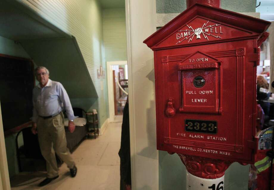 Fire call box on display at Houston Fire Museum. Photo: Mayra Beltran, Houston Chronicle / © 2013 Houston Chronicle
