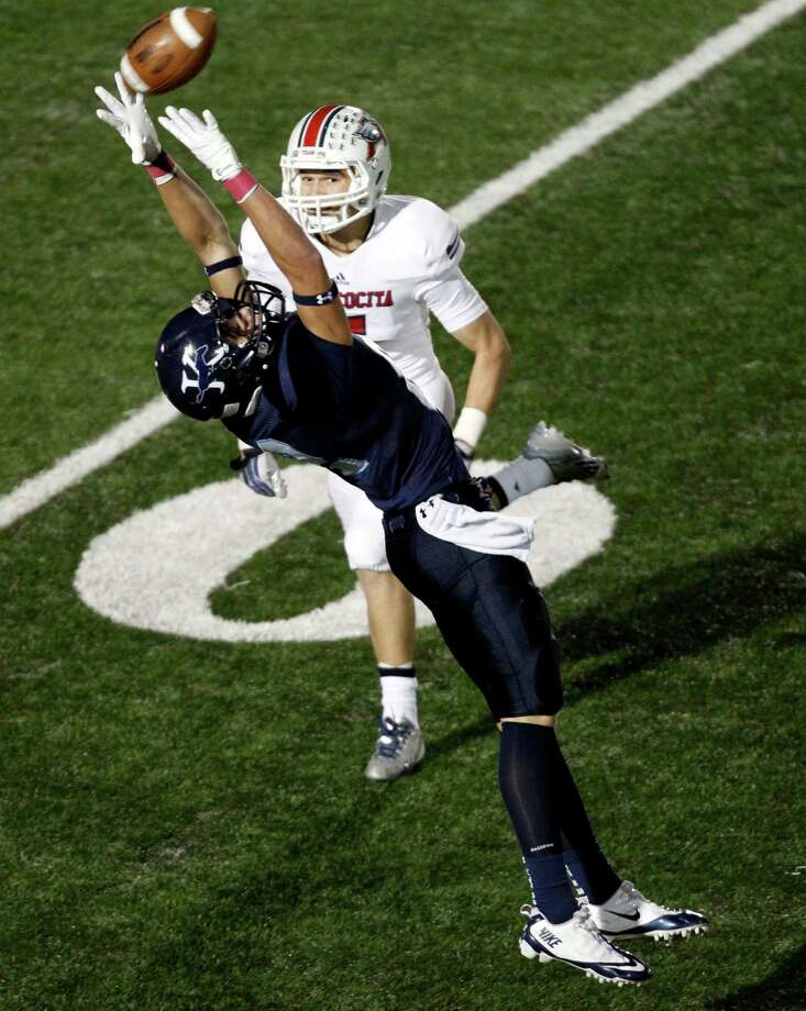 Atascocita 31, Kingwood 17Kingwood's Rex Langley can't come up with a reception as Atascocita's JP Rodriguez defends during the second half of a high school football game, Friday, October 25, 2013 at Turner Stadium in Humble. Photo: Eric Christian Smith, For The Chronicle